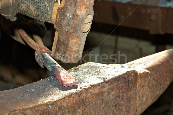Hammer heißen Eisen Streik Arbeit Foto Stock foto © clearviewstock