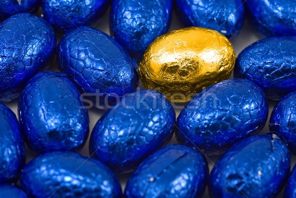 Złote jajka niebieski Easter Eggs jeden stałego na zewnątrz Zdjęcia stock © clearviewstock