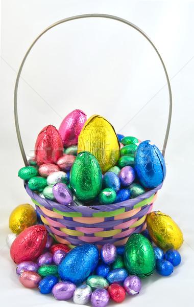 Pascua cesta huevo de Pascua chocolate Foto stock © clearviewstock