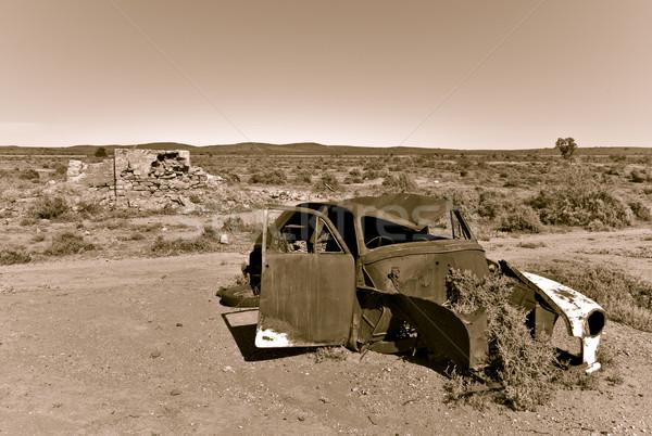 Stary samochód pustyni z dala hot australijczyk samochodu Zdjęcia stock © clearviewstock