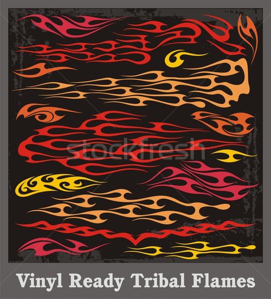 Foto d'archivio: Vinile · pronto · tribali · fiamme · vettore · grafica