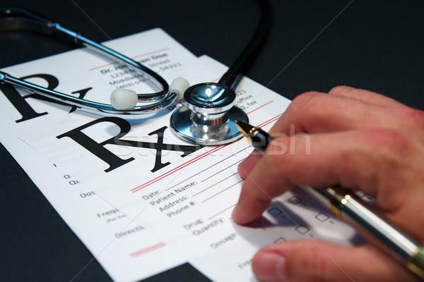 Medische stethoscoop artsen humeurig donkere verlichting Stockfoto © cmcderm1