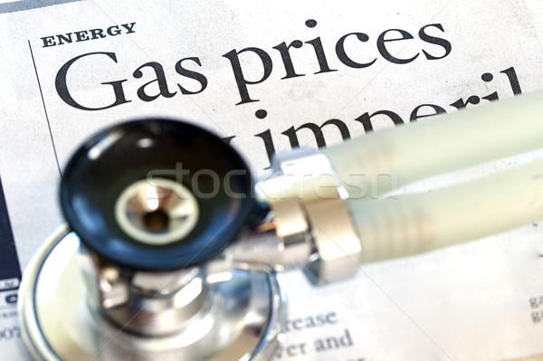 Energia alto preço gasolina notícia saúde Foto stock © cmcderm1