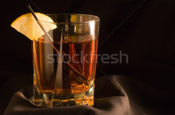Cócteles bebidas alcohol vidrio bar Foto stock © cmcderm1