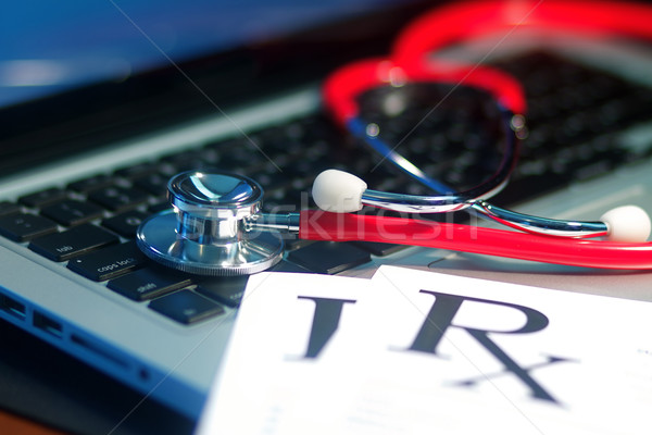 Tıbbi stetoskop doktorlar karanlık aydınlatma Stok fotoğraf © cmcderm1