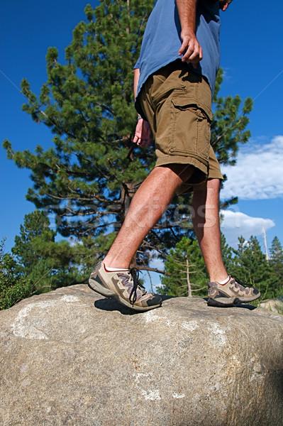 Iz çalışma koşucu tırmanma dik kaya Stok fotoğraf © cmcderm1