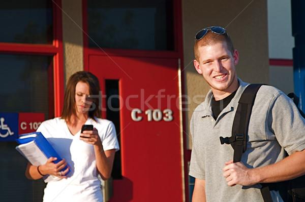 College studenten jonge buiten klas openbare Stockfoto © cmcderm1