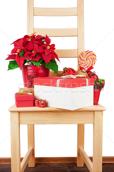 Houten stoel christmas decoraties geïsoleerd bloem winter Stockfoto © Coffeechocolates