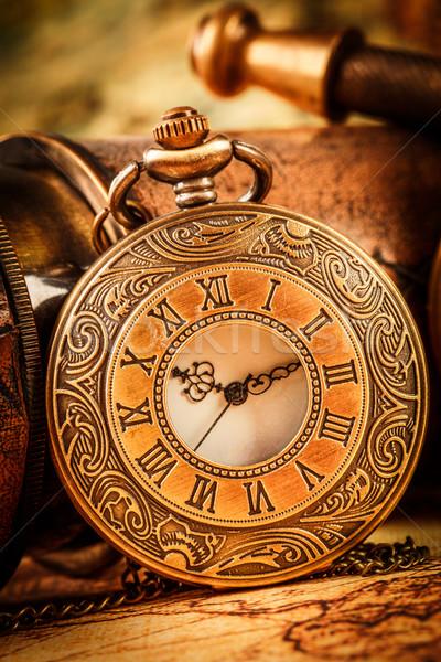 Vintage reloj de bolsillo antiguos fondo tiempo cadena Foto stock © cookelma