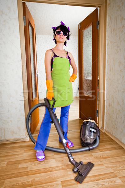 Сток-фото: домохозяйка · квартиру · пылесос · женщины · домой · матери