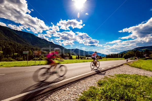 Bisikletçiler binicilik bisiklet yol alpler İtalya Stok fotoğraf © cookelma