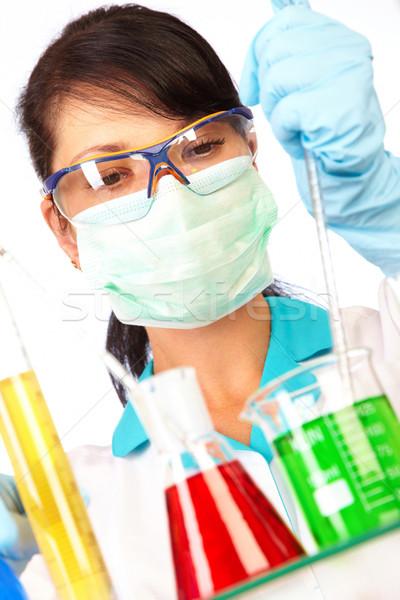 Scientifique laboratoire test jeunes médicaux Photo stock © cookelma
