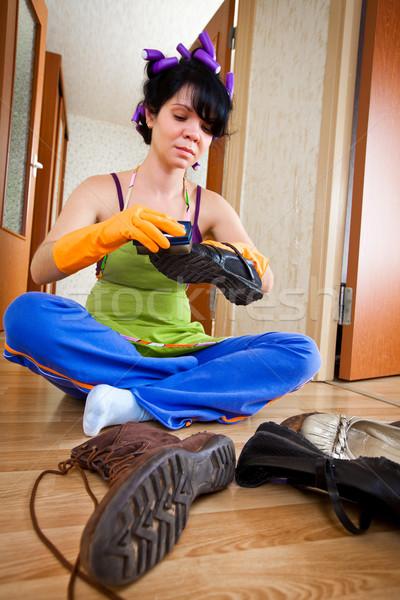 Сток-фото: домохозяйка · полу · женщины · домой · матери · обувь