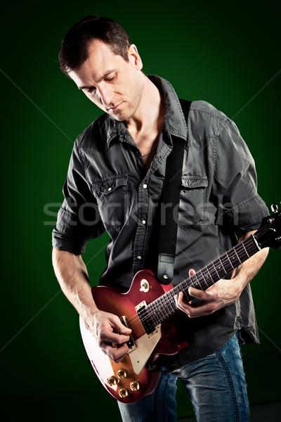 Сток-фото: человека · гитаре · зеленый · искусства · рок · концерта