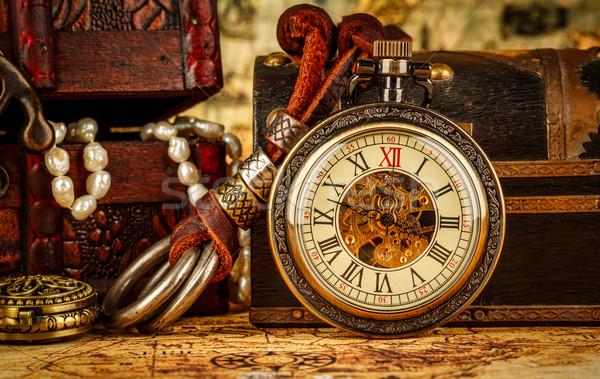Vintage relógio de bolso antigo grunge natureza morta fundo Foto stock © cookelma