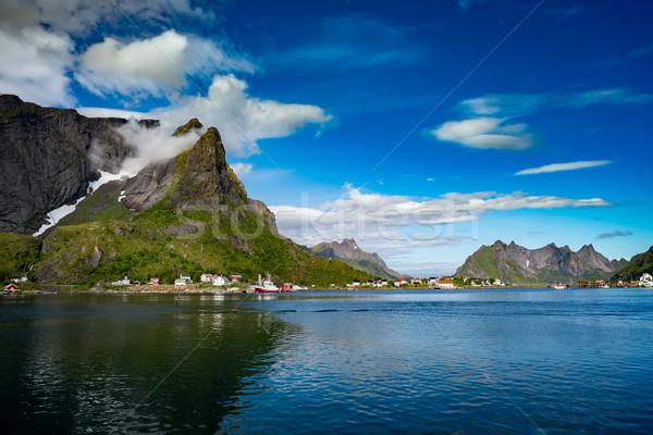 Archipiélago Noruega paisaje dramático montanas abierto Foto stock © cookelma