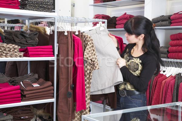 Menina compras roupa mãos mulheres beleza Foto stock © cookelma