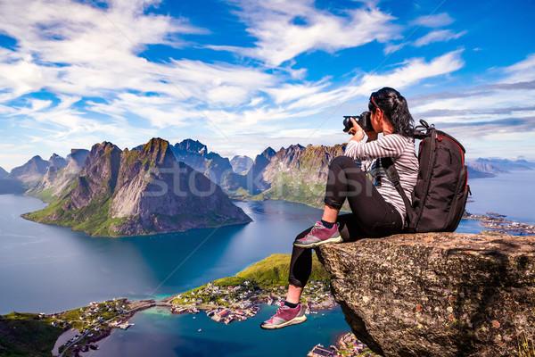 Természet fotós Norvégia szigetvilág turista kamera Stock fotó © cookelma