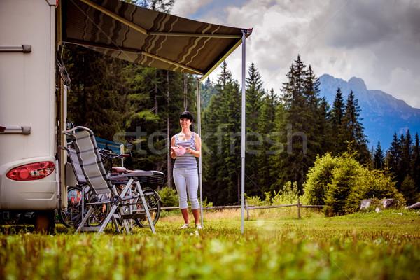 Család vakáció utazás ünnep utazás karaván Stock fotó © cookelma