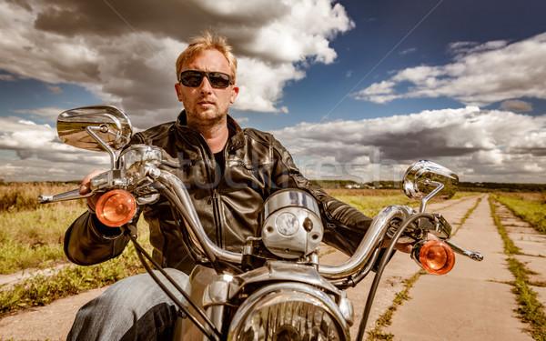 Moto homme lunettes de soleil Photo stock © cookelma