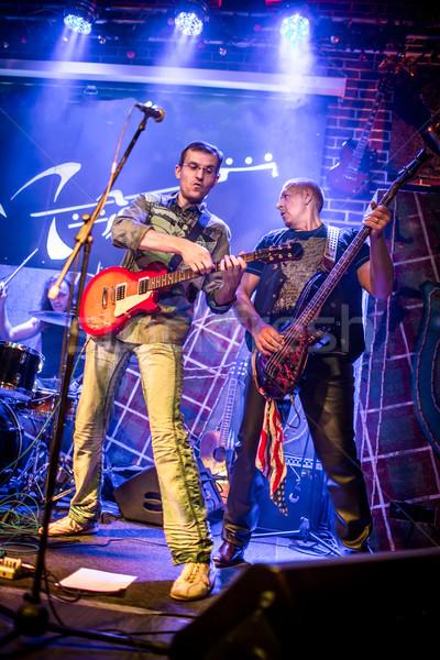 Zenekar színpad rockzene koncert férfiak csoport Stock fotó © cookelma