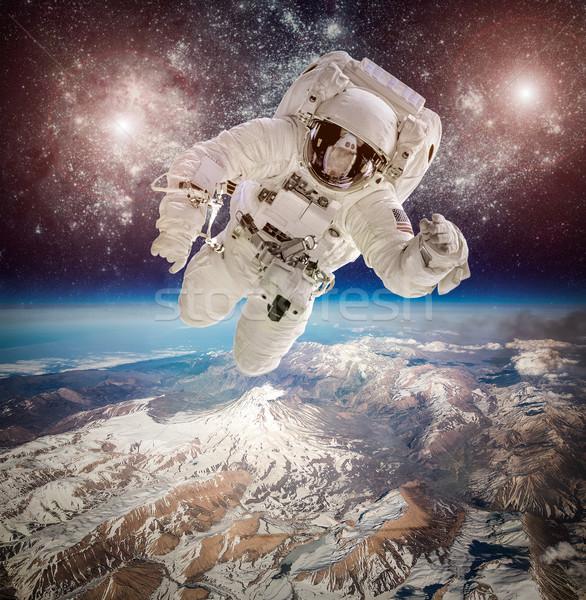 Сток-фото: астронавт · космическое · пространство · фон · планете · Земля · Элементы · изображение