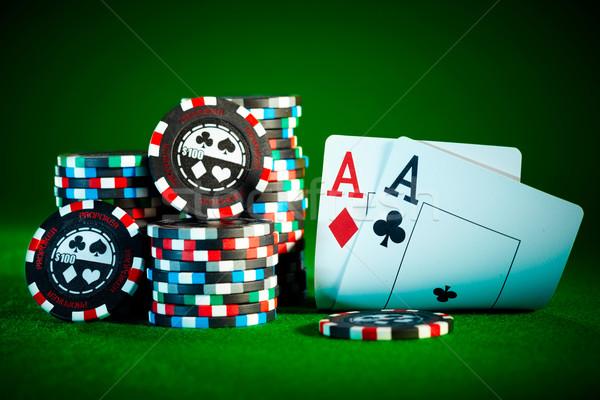 Dos aces chips tarjetas monedas Foto stock © cookelma