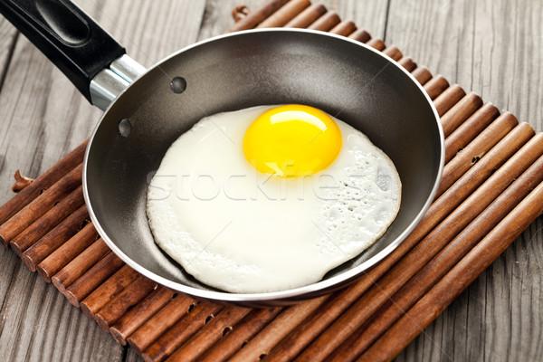 Сток-фото: жареный · яйца · деревянный · стол · завтрак · продовольствие · кухне