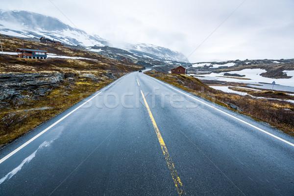 Dağ yol Norveç etrafında sis kar Stok fotoğraf © cookelma