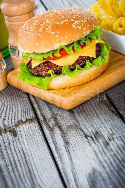 Burger Cheeseburger lecker appetitlich Hamburger Restaurant Stock foto © cookelma