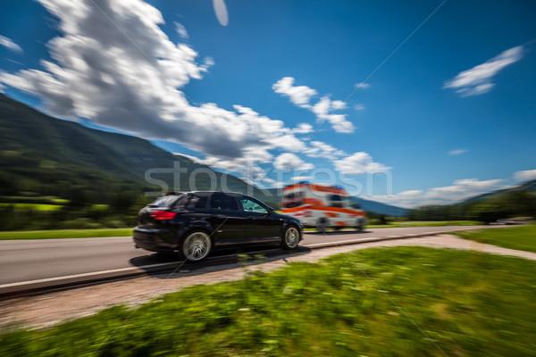 Autó nagysebességű út mentő út figyelmeztetés Stock fotó © cookelma