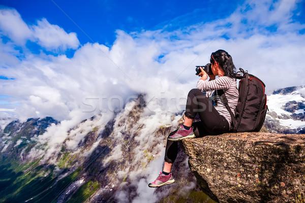 Natura fotografo Norvegia turistica fotocamera piedi Foto d'archivio © cookelma