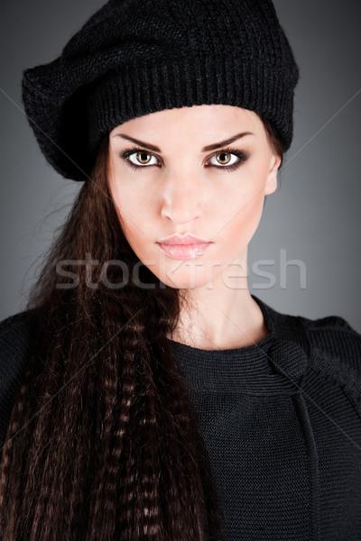 девушки берет красивая девушка темно лице женщины Сток-фото © cookelma