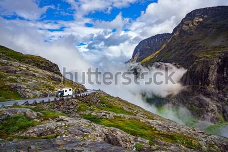 Caravan auto snelweg toerisme vakantie Stockfoto © cookelma