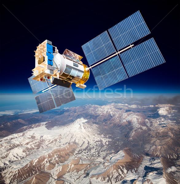 Espaço satélite planeta terra nuvens mundo tecnologia Foto stock © cookelma