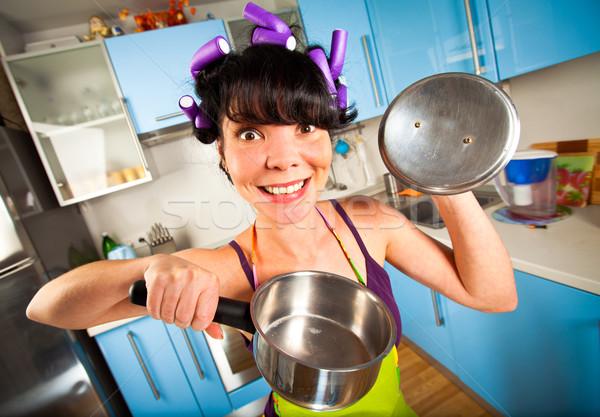Сток-фото: Crazy · домохозяйка · интерьер · кухне · женщины · женщины