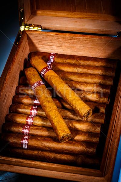 Szivarok közelkép nyitva üzlet háttér doboz Stock fotó © cookelma