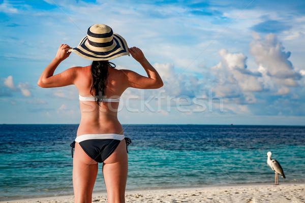 женщину тропический пляж Мальдивы пляж женщины счастливым Сток-фото © cookelma