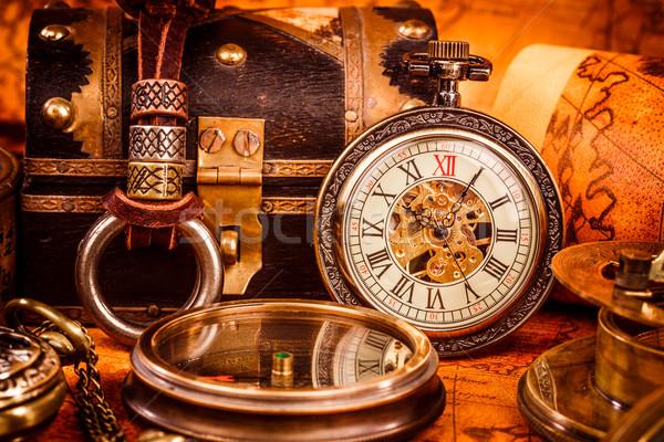 Vintage reloj de bolsillo antiguos grunge naturaleza muerta fondo Foto stock © cookelma