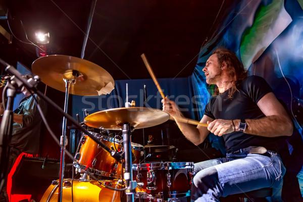 鼓手 播放 鼓 集 階段 真實 商業照片 © cookelma