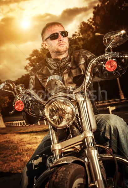 Motoros napszemüveg bőrdzseki motorkerékpár divat naplemente Stock fotó © cookelma