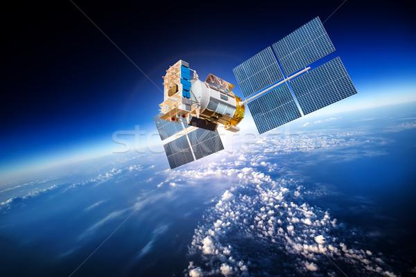 Spaţiu satelit Planet Earth nori lume tehnologie Imagine de stoc © cookelma