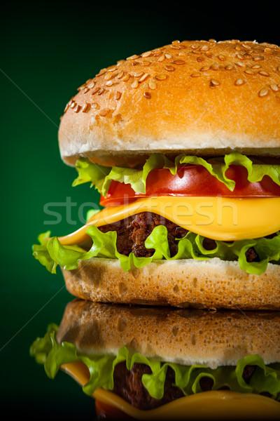 Savoureux appétissant hamburger vert bar fromages Photo stock © cookelma