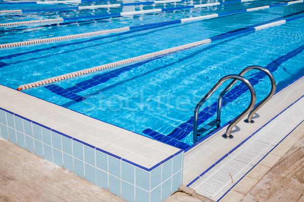 Yüzme havuzu görüntü su çapraz uygunluk arka plan Stok fotoğraf © cookelma