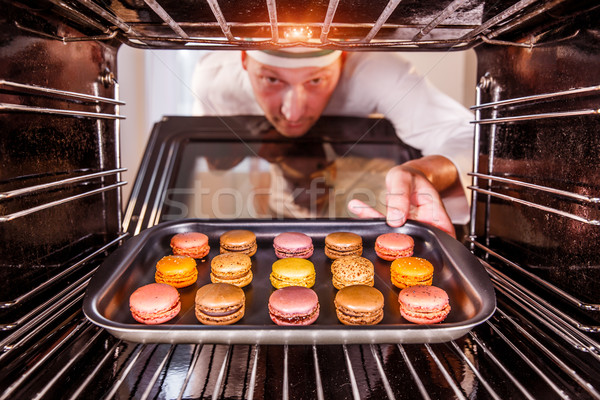 Horno chef macarons vista dentro Foto stock © cookelma