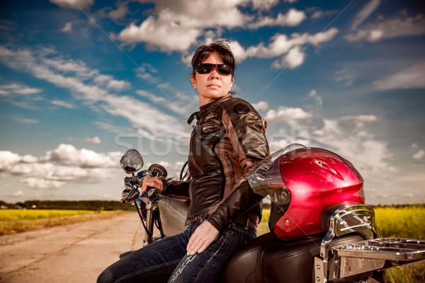 Menina motocicleta jaqueta de couro sensual viajar Foto stock © cookelma