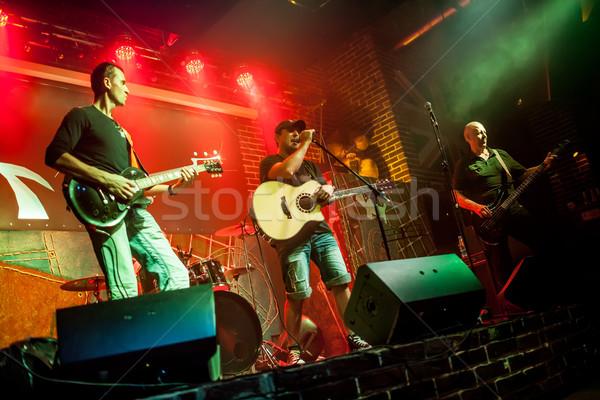 Zenekar színpad rockzene zene fény férfiak Stock fotó © cookelma
