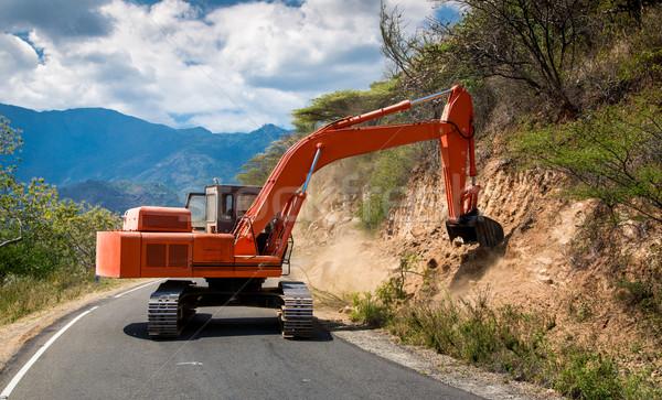 Kotrógép javítás út építkezés hegy nyár Stock fotó © cookelma