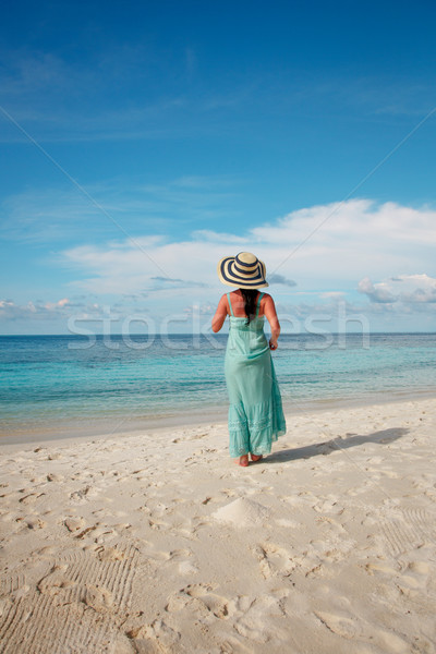 девушки ходьбе тропический пляж Мальдивы пляж отпуск Сток-фото © cookelma