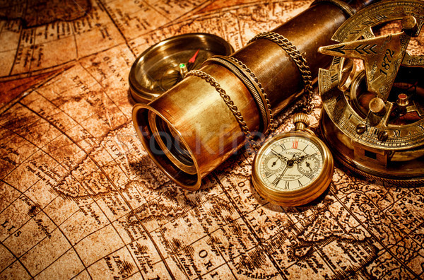 Vintage oude kaart kompas zakhorloge oude kaart Stockfoto © cookelma